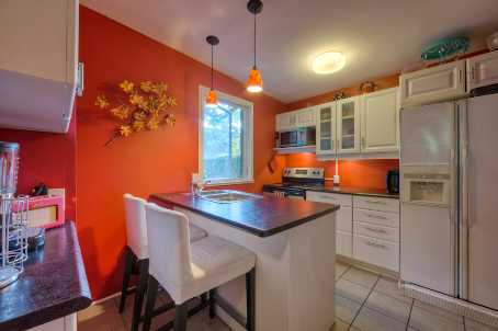 Photo 4: 289 E Queen Street in Toronto: Moss Park Freehold for sale (Toronto C08)  : MLS(r) # C2483381