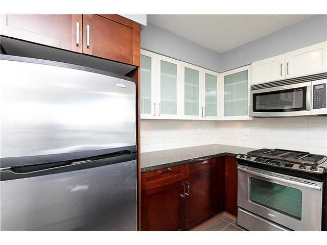 "Photo 2: 1001 1 RENAISSANCE Square in New Westminster: Quay Condo for sale in ""THE Q AT THE NEW WESTMINSTER QUAY"" : MLS(r) # V1061175"