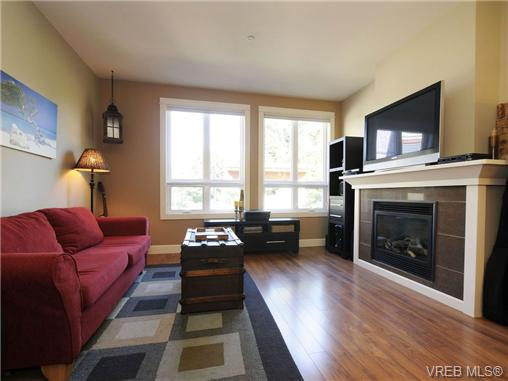 Photo 2: 201 3226 Jacklin Road in VICTORIA: La Walfred Condo Apartment for sale (Langford)  : MLS(r) # 348370
