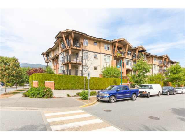 "Photo 2: 405 500 KLAHANIE Drive in PORT MOODY: Port Moody Centre Condo for sale in ""TIDES AT KLAHANIE"" (Port Moody)  : MLS(r) # V1142107"