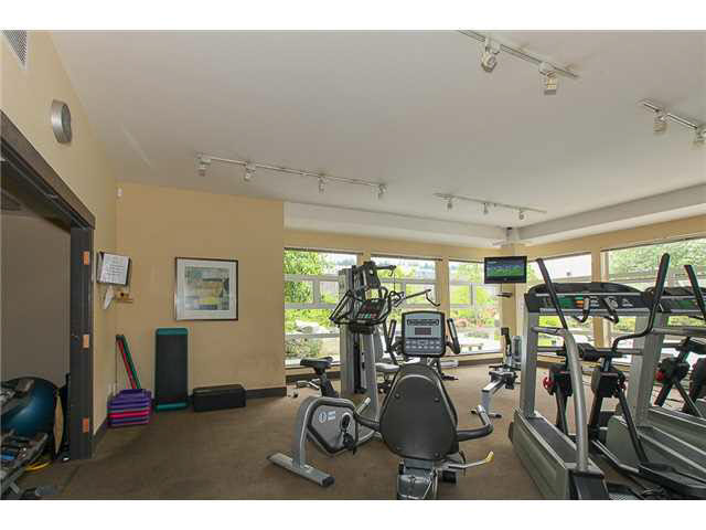"Photo 19: 405 500 KLAHANIE Drive in PORT MOODY: Port Moody Centre Condo for sale in ""TIDES AT KLAHANIE"" (Port Moody)  : MLS(r) # V1142107"