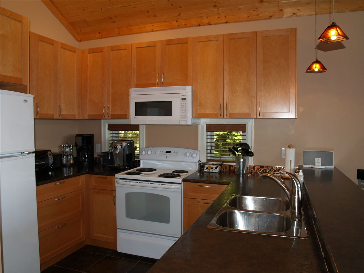 "Photo 10: Photos: 360 ESPLANADE Road: Keats Island House for sale in ""EASTBOURNE"" (Sunshine Coast)  : MLS® # R2057296"