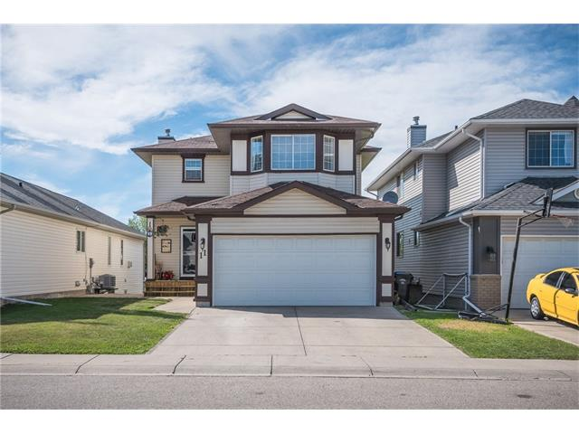 Main Photo: 11 HIDDEN VALLEY Park NW in Calgary: Hidden Valley House for sale : MLS® # C4069019