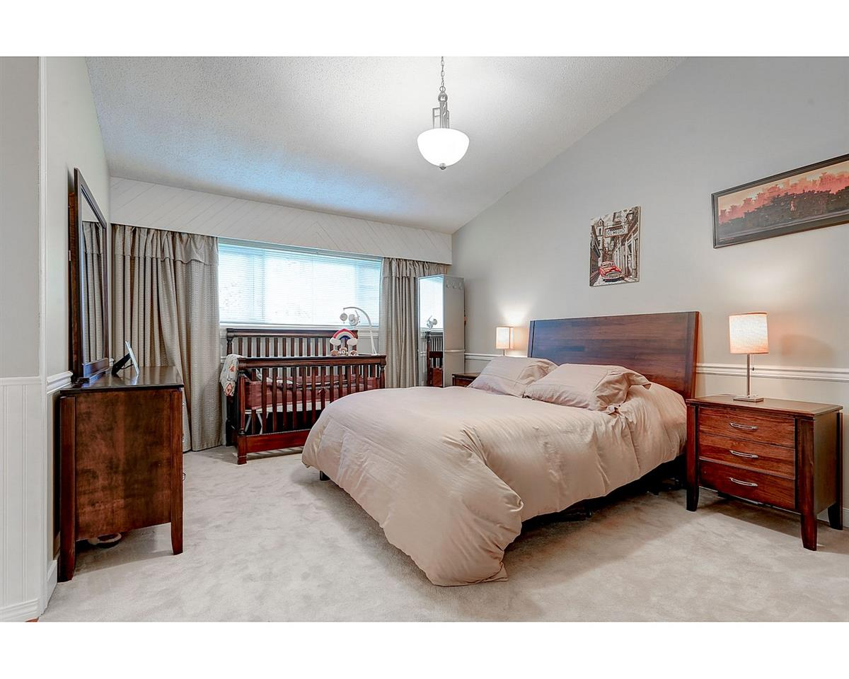 Photo 12: 1897 DAWES HILL Road in Coquitlam: Central Coquitlam House for sale : MLS® # R2121879