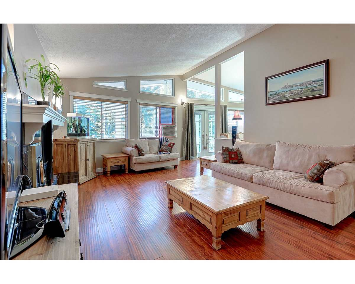 Photo 4: 1897 DAWES HILL Road in Coquitlam: Central Coquitlam House for sale : MLS® # R2121879
