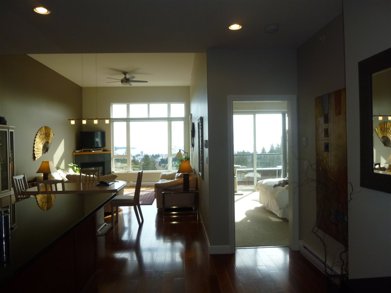 "Main Photo:  in Sechelt: Sechelt District Condo for sale in ""TRADE WINDS"" (Sunshine Coast)  : MLS® # R2139887"