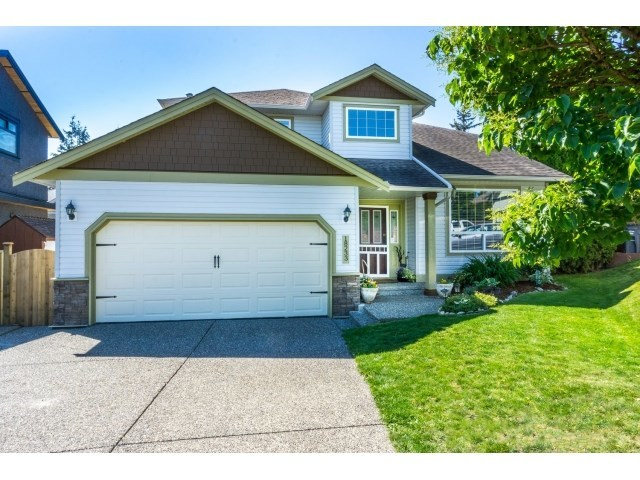 Main Photo: 18233 56B AVENUE in Cloverdale: Home for sale : MLS® # R2064898