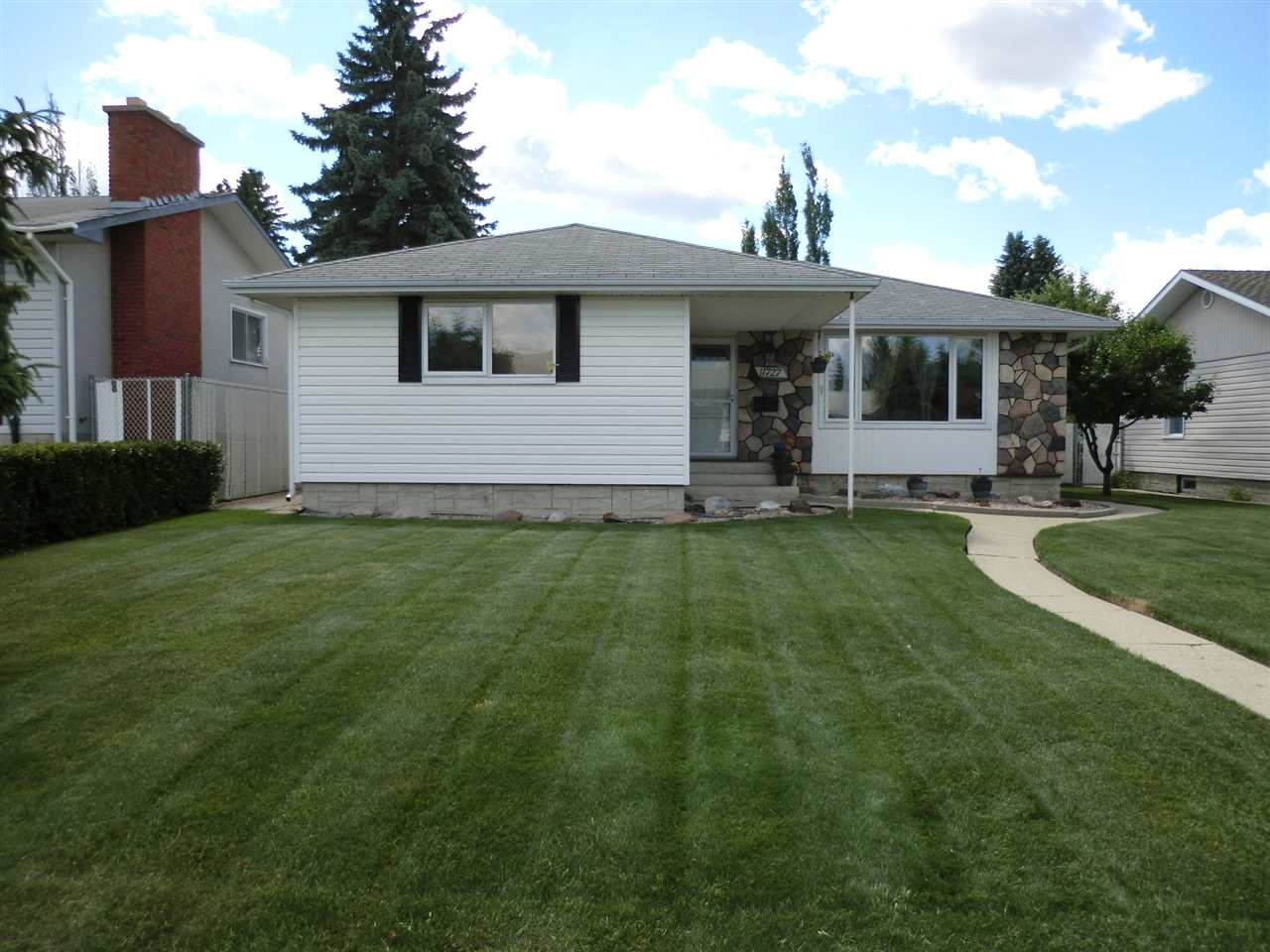 Main Photo: 11727 38A Avenue in Edmonton: Zone 16 House for sale : MLS® # E4070640