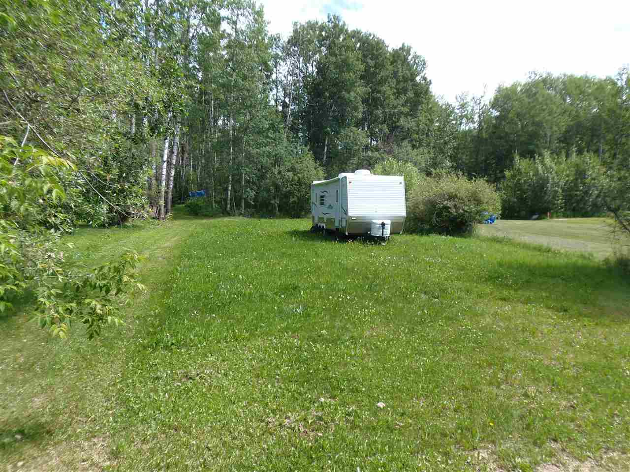 Main Photo: 15 Poplar Avenue: Rural Lac Ste. Anne County Rural Land/Vacant Lot for sale : MLS® # E4073043