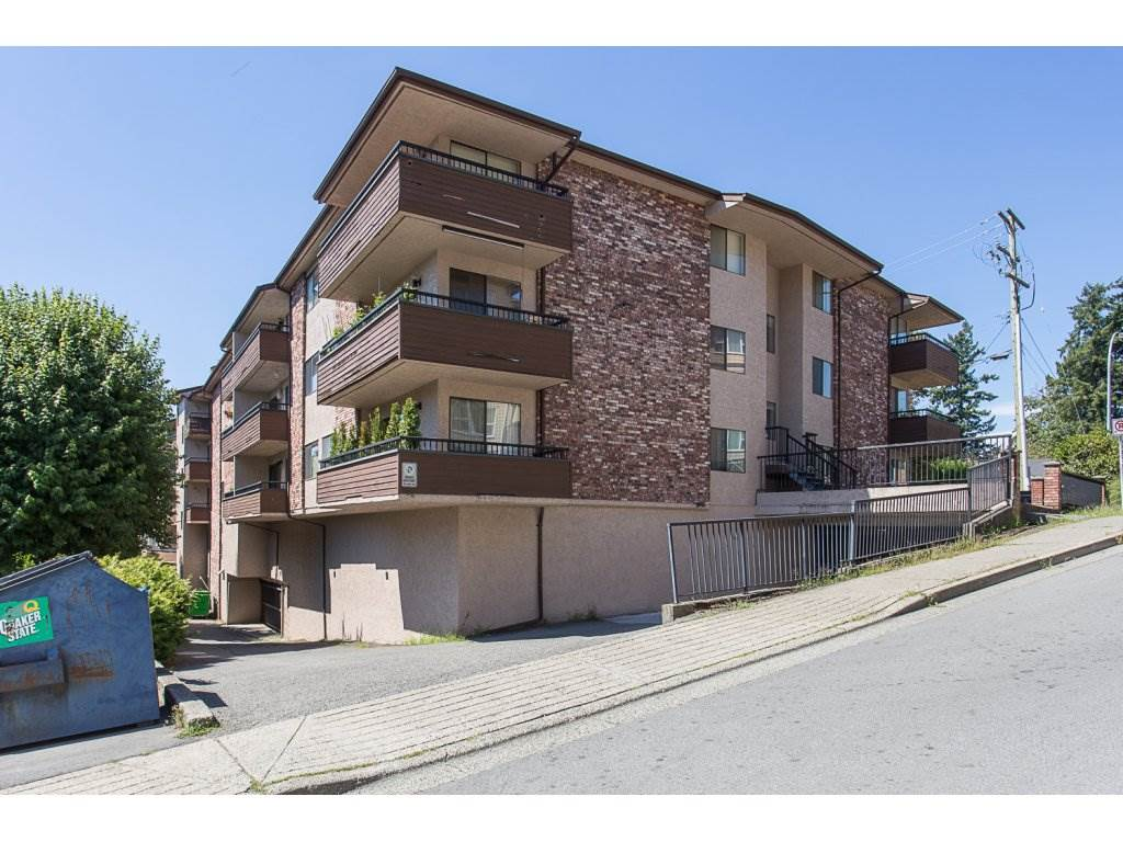"Main Photo: 105 33956 ESSENDENE Avenue in Abbotsford: Central Abbotsford Condo for sale in ""Hillcrest Manor"" : MLS® # R2192762"