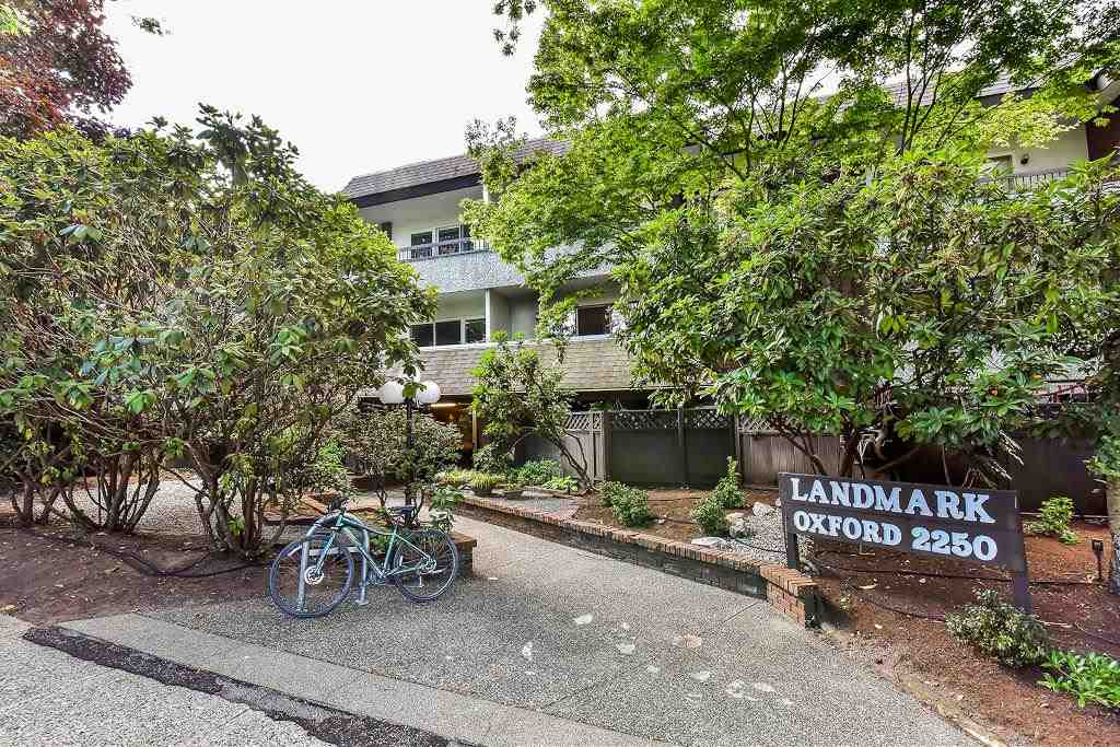 "Main Photo: 209 2250 OXFORD Street in Vancouver: Hastings Condo for sale in ""LANDMARK OXFORD 2250"" (Vancouver East)  : MLS® # R2197909"