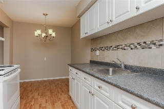 Main Photo: 2 14220 80 Street in Edmonton: Zone 02 Townhouse for sale : MLS® # E4079522