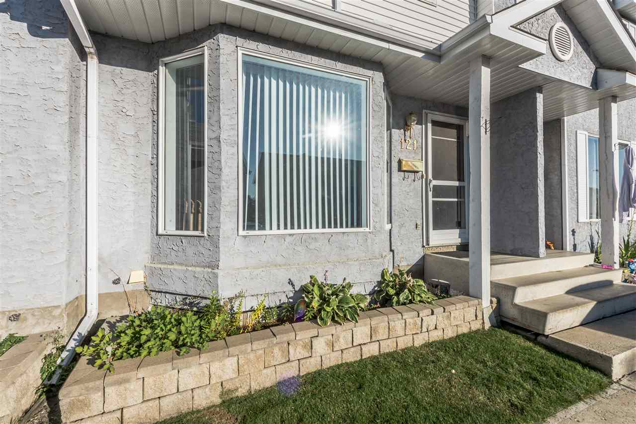 Main Photo: 121 ABERDEEN: Stony Plain Townhouse for sale : MLS® # E4080836