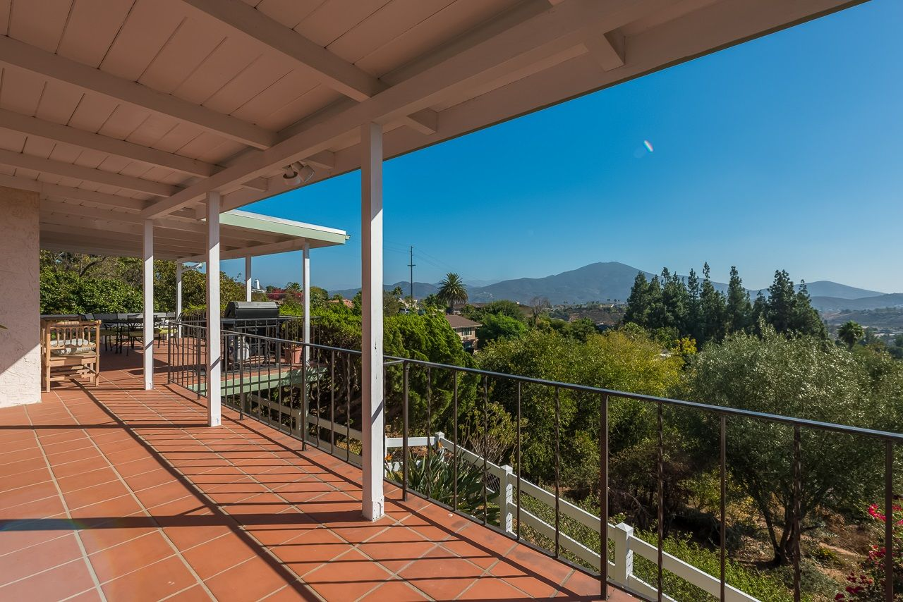Main Photo: MOUNT HELIX House for sale : 3 bedrooms : 11021 Explorer Rd in La Mesa