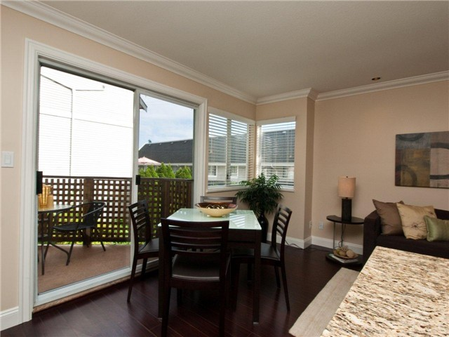 "Photo 5: 642 ST GEORGES Avenue in North Vancouver: Lower Lonsdale Townhouse for sale in ""ST GEORGES COURT"" : MLS® # V899118"