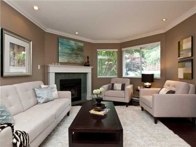 "Photo 2: 642 ST GEORGES Avenue in North Vancouver: Lower Lonsdale Townhouse for sale in ""ST GEORGES COURT"" : MLS® # V899118"