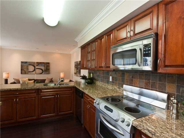 "Photo 9: 642 ST GEORGES Avenue in North Vancouver: Lower Lonsdale Townhouse for sale in ""ST GEORGES COURT"" : MLS® # V899118"