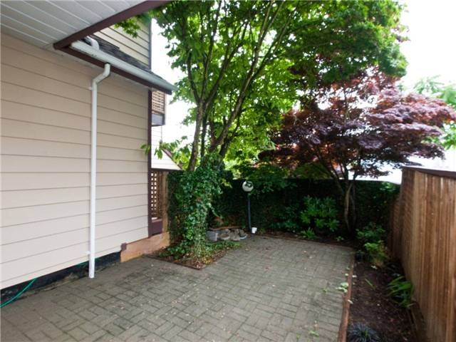 "Photo 10: 642 ST GEORGES Avenue in North Vancouver: Lower Lonsdale Townhouse for sale in ""ST GEORGES COURT"" : MLS® # V899118"