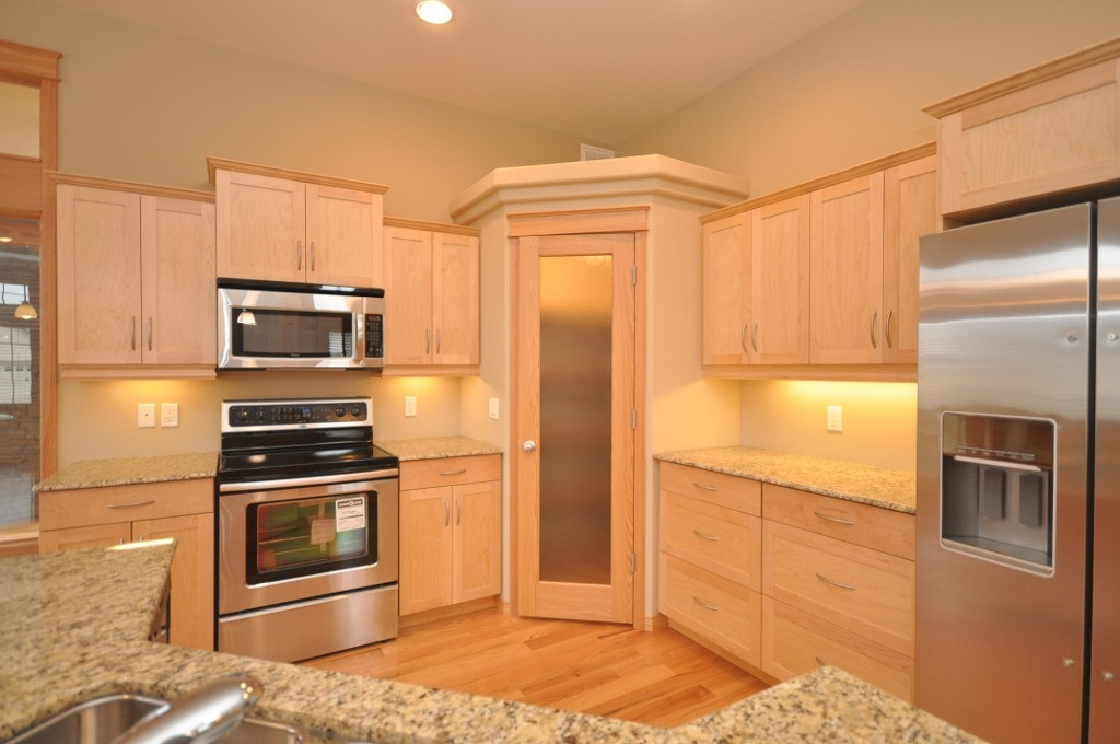 Pantry Cabinets For Sale With Photos Cooks Cove In Oakbank Single Family Detached For