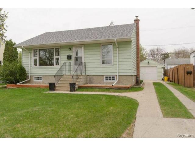 Main Photo: 407 Amherst Street in WINNIPEG: St James Residential for sale (West Winnipeg)  : MLS® # 1510775
