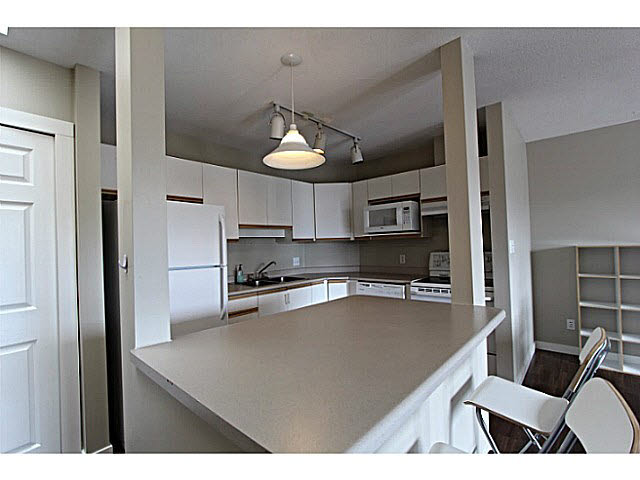 "Photo 3: 303 33839 MARSHALL Road in Abbotsford: Central Abbotsford Condo for sale in ""City Scape"" : MLS(r) # F1447100"