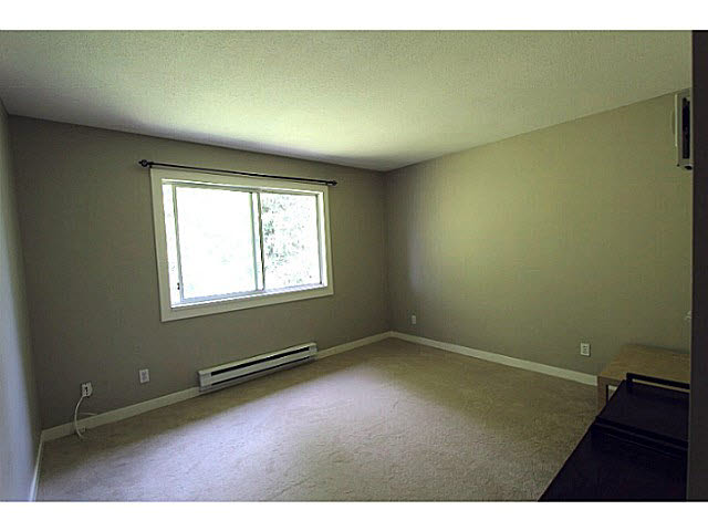 "Photo 9: 303 33839 MARSHALL Road in Abbotsford: Central Abbotsford Condo for sale in ""City Scape"" : MLS(r) # F1447100"