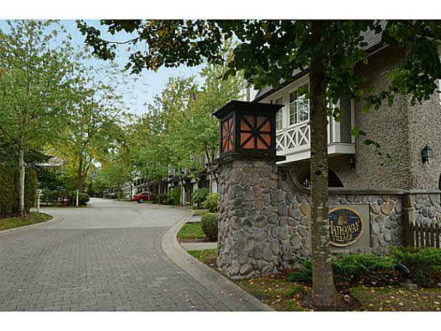 "Photo 2: 19 12778 66TH Avenue in Surrey: West Newton Townhouse for sale in ""HATHAWAY VILLAGE"" : MLS® # F1451418"