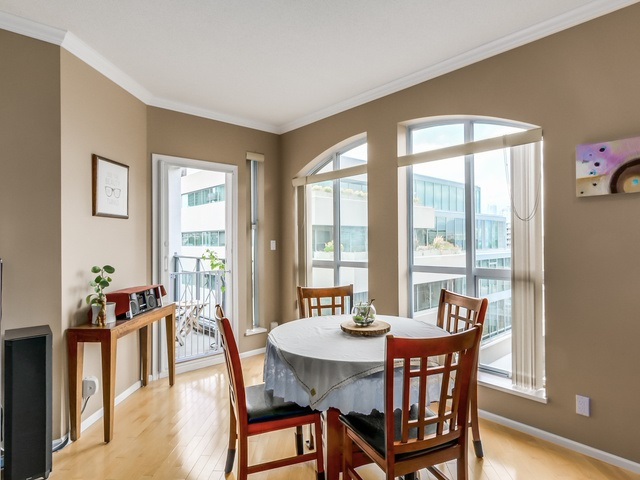 "Photo 4: PH13 511 W 7TH Avenue in Vancouver: Fairview VW Condo for sale in ""Beverly Gardens"" (Vancouver West)  : MLS(r) # R2004156"