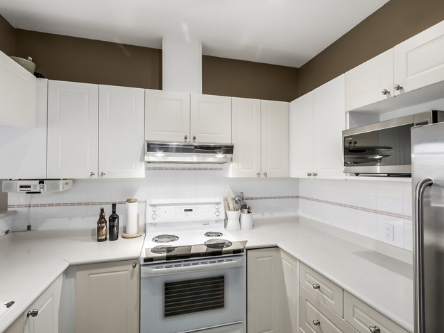 "Photo 6: PH13 511 W 7TH Avenue in Vancouver: Fairview VW Condo for sale in ""Beverly Gardens"" (Vancouver West)  : MLS(r) # R2004156"