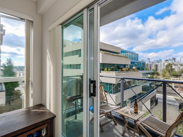 "Photo 16: PH13 511 W 7TH Avenue in Vancouver: Fairview VW Condo for sale in ""Beverly Gardens"" (Vancouver West)  : MLS(r) # R2004156"