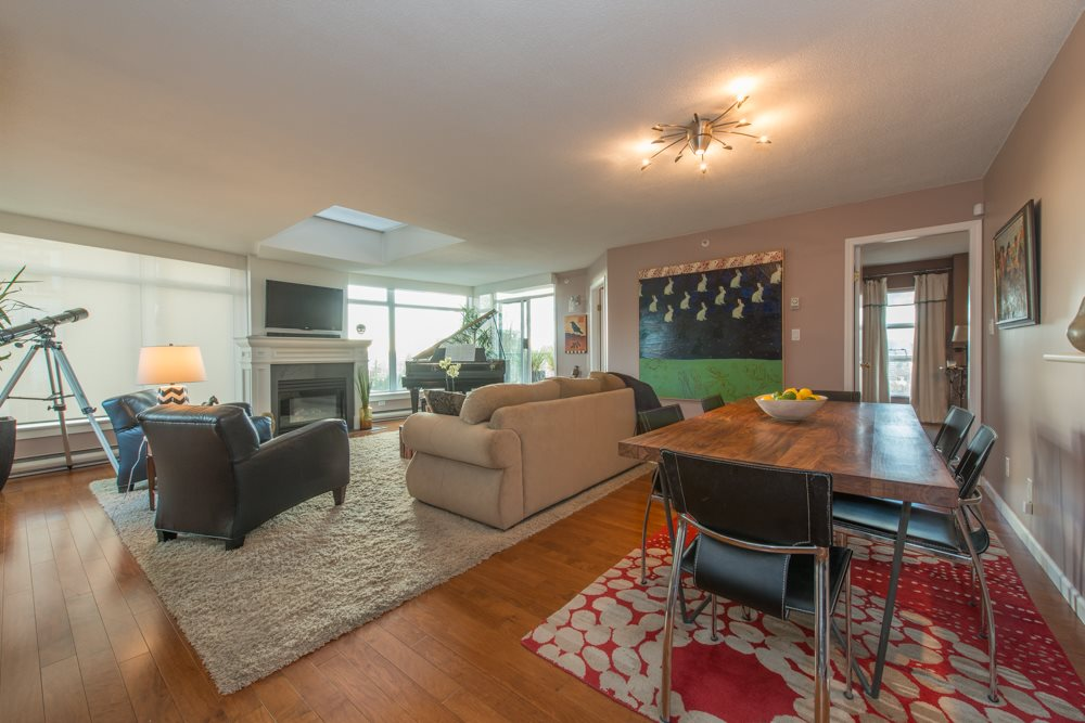 "Photo 2: 802 1272 COMOX Street in Vancouver: West End VW Condo for sale in ""CHATEAU COMOX"" (Vancouver West)  : MLS(r) # R2032698"