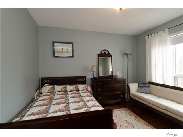 Photo 10: 221 Walnut Street in Winnipeg: West End / Wolseley Residential for sale (West Winnipeg)  : MLS® # 1609946