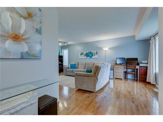Photo 4: 26 HIDDEN VALLEY Link NW in Calgary: Hidden Valley House for sale : MLS(r) # C4079786