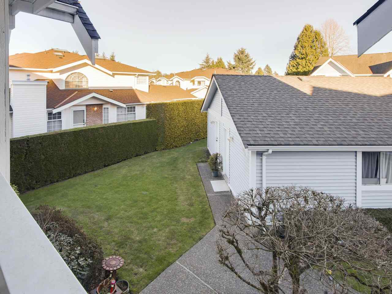 "Photo 19: 608 9131 154 Street in Surrey: Fleetwood Tynehead Townhouse for sale in ""Lexington Square"" : MLS® # R2136755"
