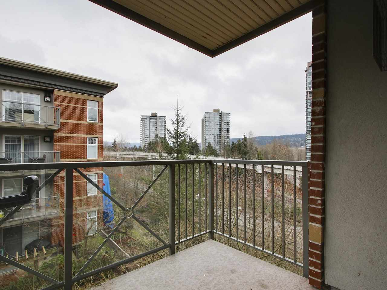 "Photo 14: 309 3260 ST JOHNS Street in Port Moody: Port Moody Centre Condo for sale in ""THE SQUARE"" : MLS(r) # R2137045"