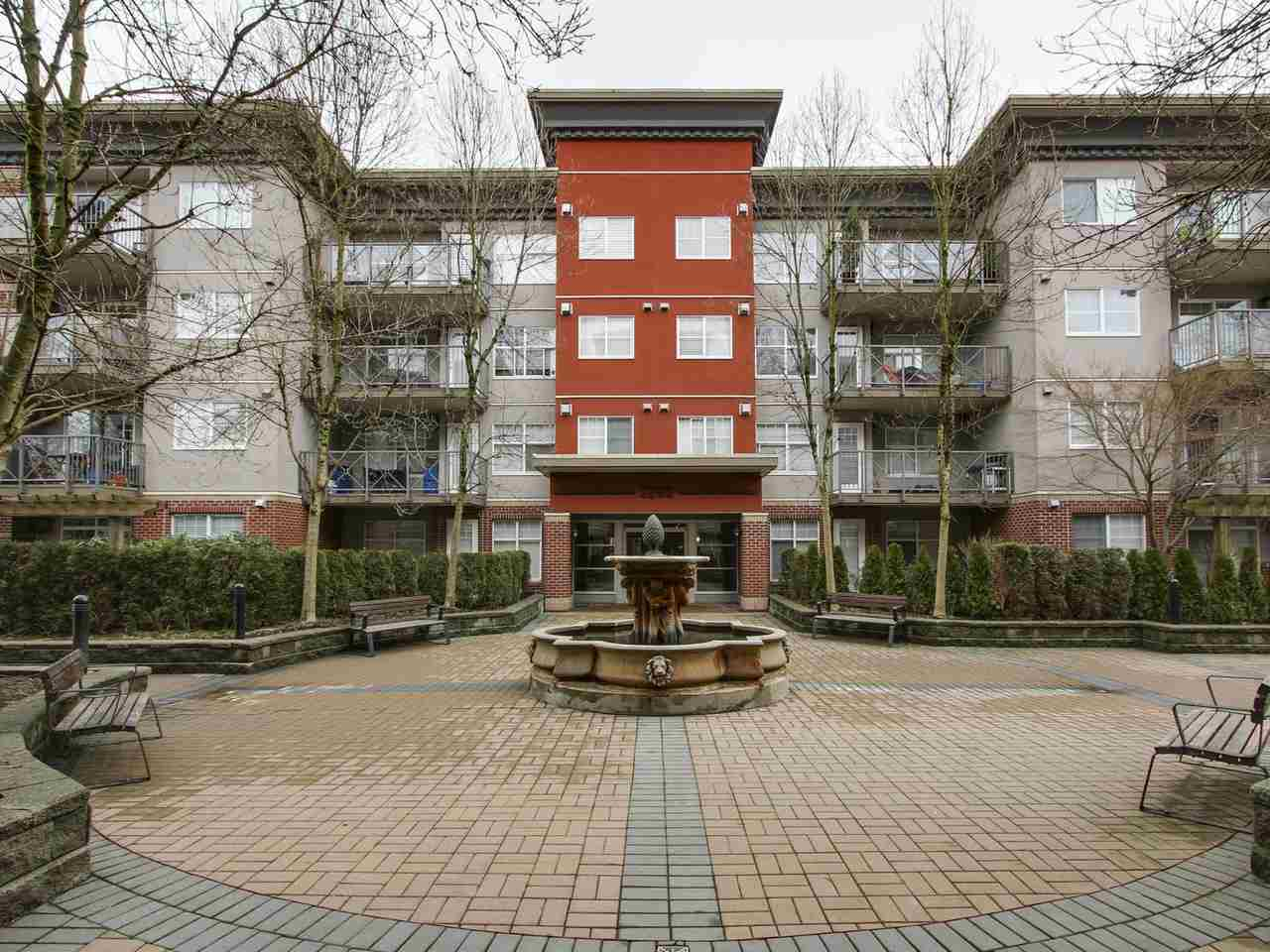 "Main Photo: 309 3260 ST JOHNS Street in Port Moody: Port Moody Centre Condo for sale in ""THE SQUARE"" : MLS(r) # R2137045"