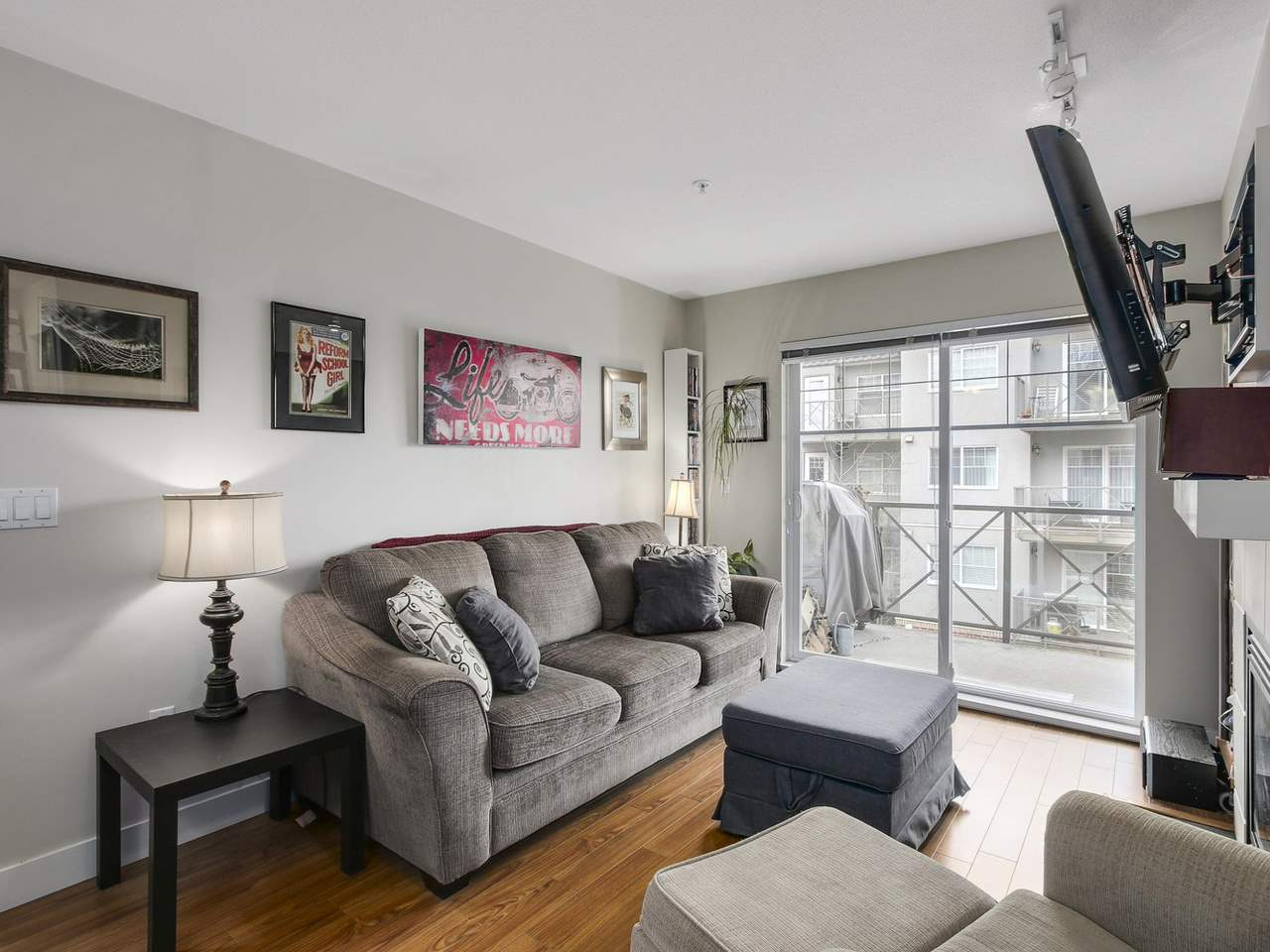 "Photo 3: 309 3260 ST JOHNS Street in Port Moody: Port Moody Centre Condo for sale in ""THE SQUARE"" : MLS(r) # R2137045"