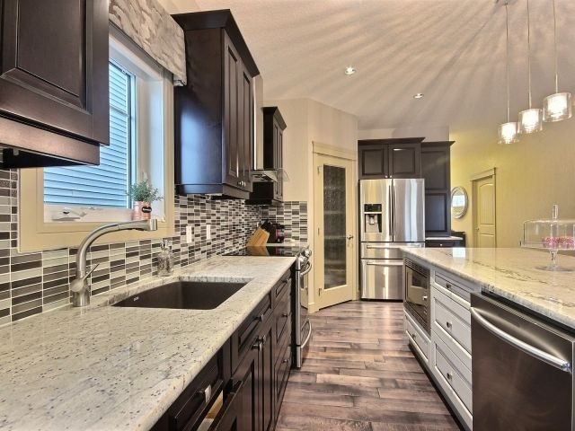 Photo 6: 4319 Veterans Way in Edmonton: Zone 27 House for sale : MLS(r) # E4051082