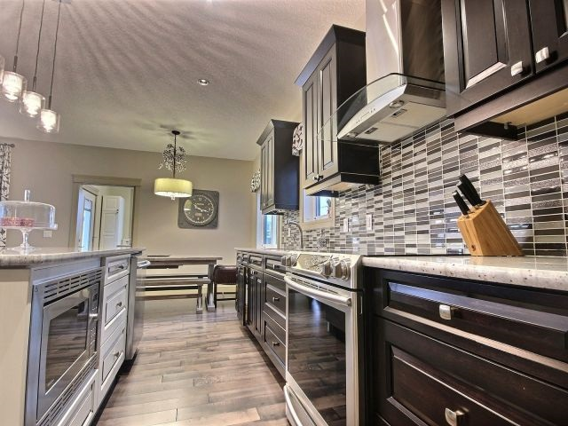 Photo 7: 4319 Veterans Way in Edmonton: Zone 27 House for sale : MLS(r) # E4051082