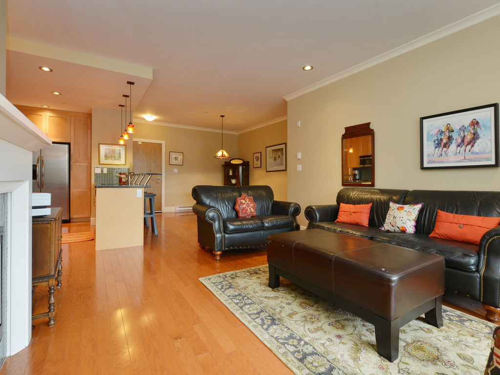 Photo 4: 307 769 Arncote Avenue in VICTORIA: La Langford Proper Condo Apartment for sale (Langford)  : MLS® # 374535