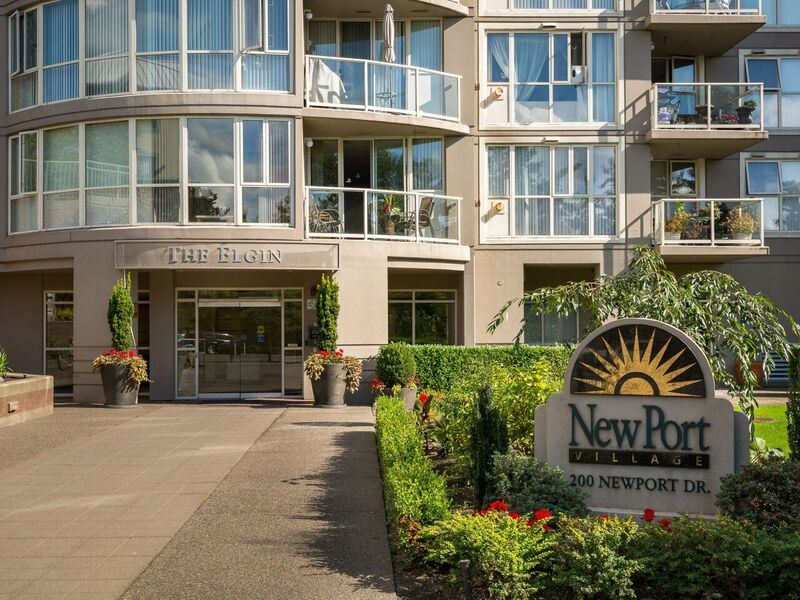 "Main Photo: 206 200 NEWPORT Drive in Port Moody: North Shore Pt Moody Condo for sale in ""The Elgin"" : MLS® # R2141928"
