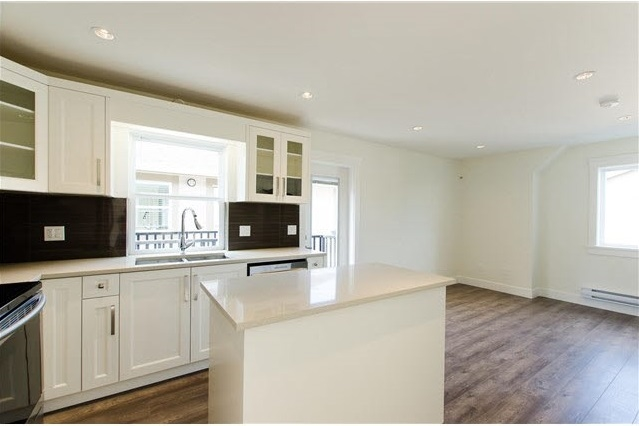 "Photo 14: 4A & 4B 4915 CENTRAL Avenue in Delta: Hawthorne House for sale in ""LADNER CENTRAL"" (Ladner)  : MLS(r) # R2142606"