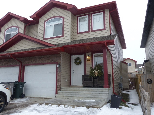 Main Photo: 113 Meridian Loop: Stony Plain House Half Duplex for sale : MLS(r) # E4054516