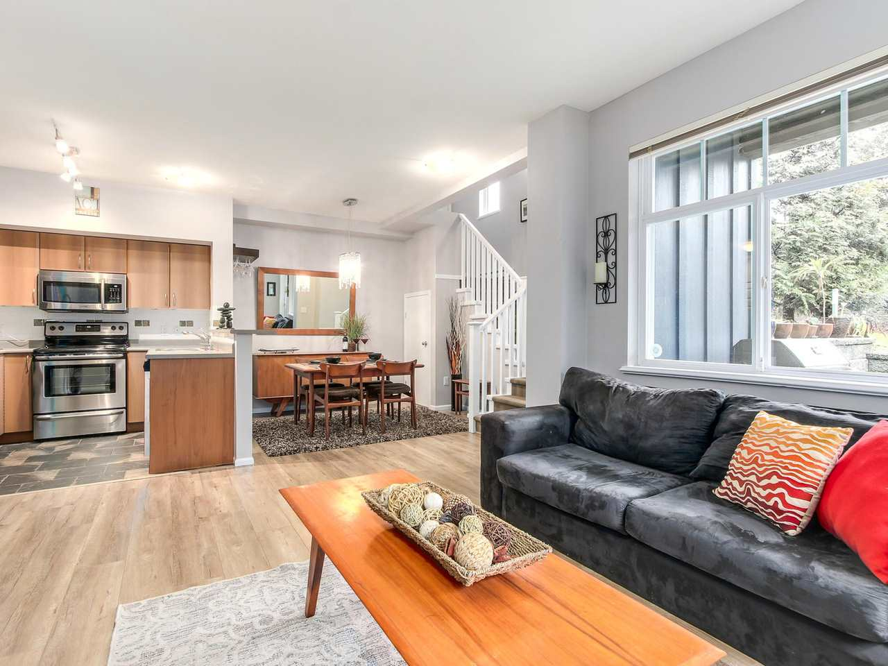 "Photo 5: 11 50 PANORAMA Place in Port Moody: Heritage Woods PM Townhouse for sale in ""ADVENTURE RIDGE"" : MLS(r) # R2146460"