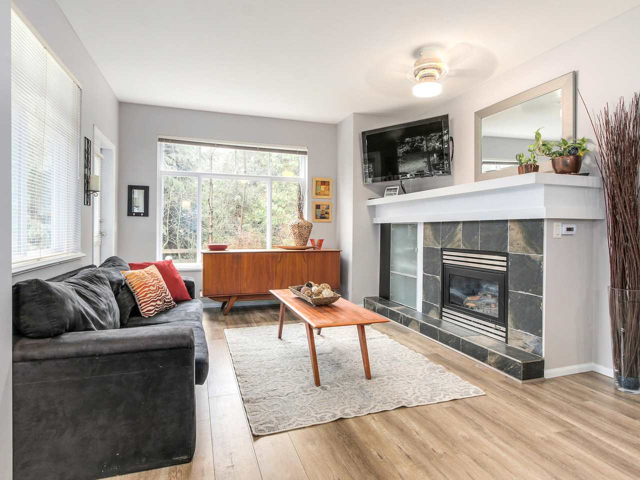 "Photo 4: 11 50 PANORAMA Place in Port Moody: Heritage Woods PM Townhouse for sale in ""ADVENTURE RIDGE"" : MLS(r) # R2146460"
