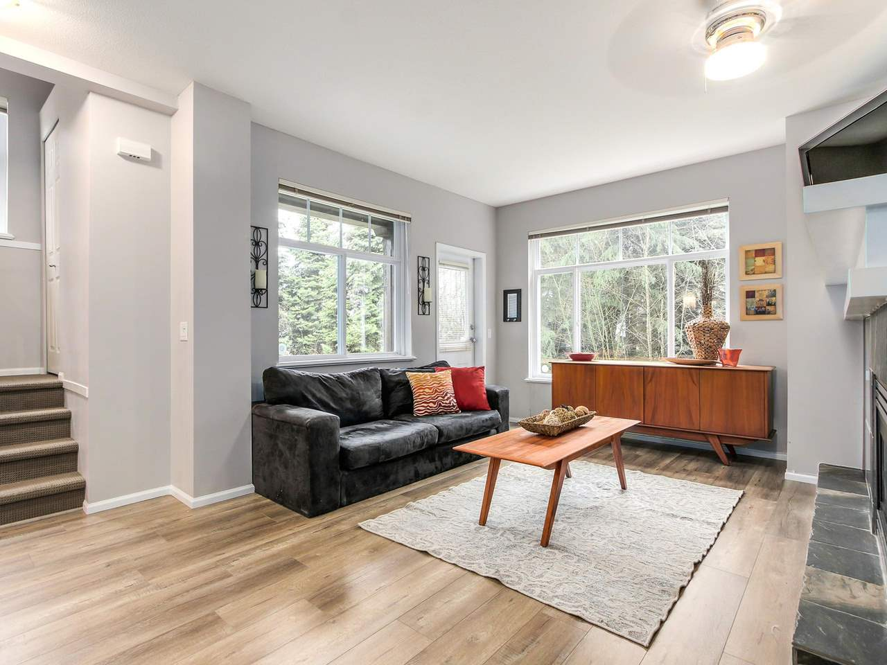 "Photo 3: 11 50 PANORAMA Place in Port Moody: Heritage Woods PM Townhouse for sale in ""ADVENTURE RIDGE"" : MLS(r) # R2146460"