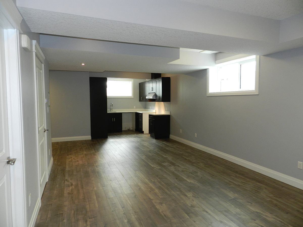 Photo 23: 9333 87 Avenue in Edmonton: Zone 18 House for sale : MLS(r) # E4054767