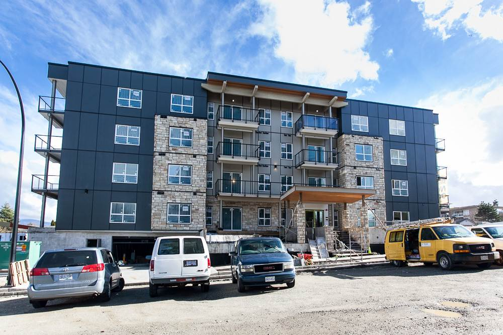 "Photo 2: 412 12310 222 Street in Maple Ridge: West Central Condo for sale in ""THE 222"" : MLS® # R2151958"