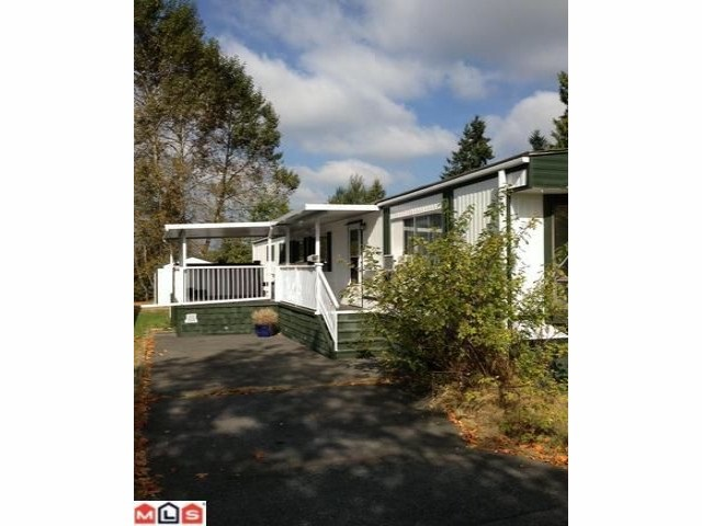 "Main Photo: 42 7850 KING GEORGE Boulevard in Surrey: Bear Creek Green Timbers Manufactured Home for sale in ""Bear Creek Glen"" : MLS(r) # R2151900"