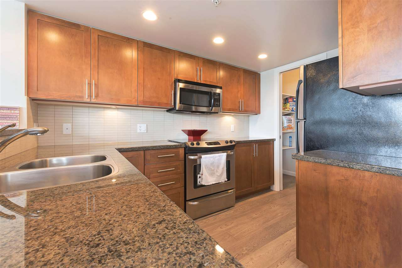 "Photo 7: 205 288 UNGLESS Way in Port Moody: North Shore Pt Moody Condo for sale in ""THE CRESCENDO"" : MLS® # R2159824"